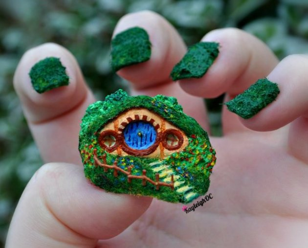 Hobbit-Hole (Nail Art)