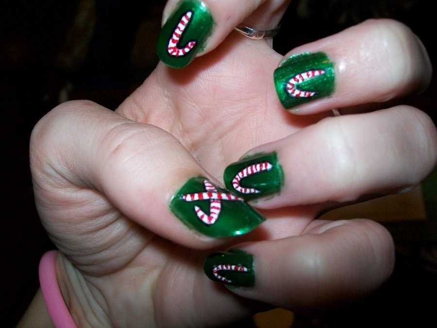 30 best christmas nail art design ideas pictures 2015 1 candy cane nails prinsesfo Image collections