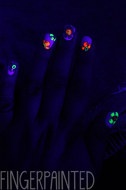 UV Flower Nails