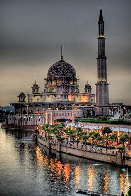 National Mosque (Masjid Negara), Putrajaya, Malaysia