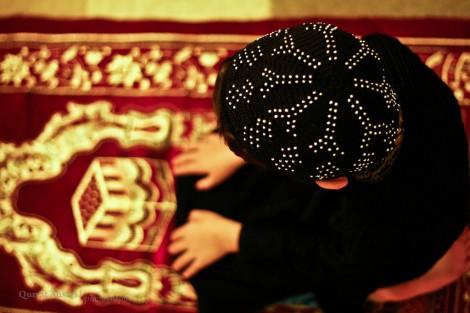 Ramdan Prayers little boy