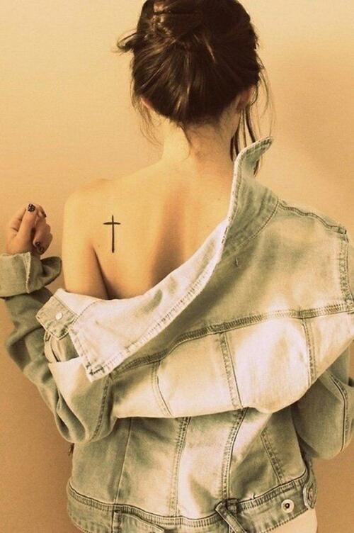 back shoulder girl tattoo