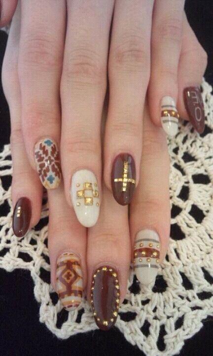 long round winter nail design
