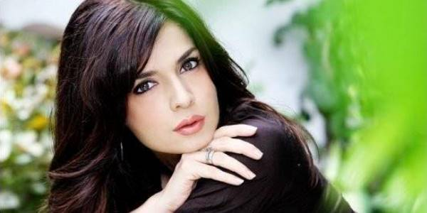1-famous-beautiful-pakistani-actress-Mahnoor-Baloch