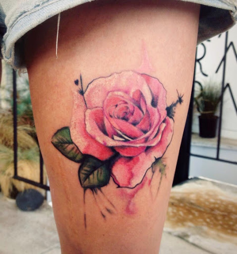Rose Thighs Tattoo Designs