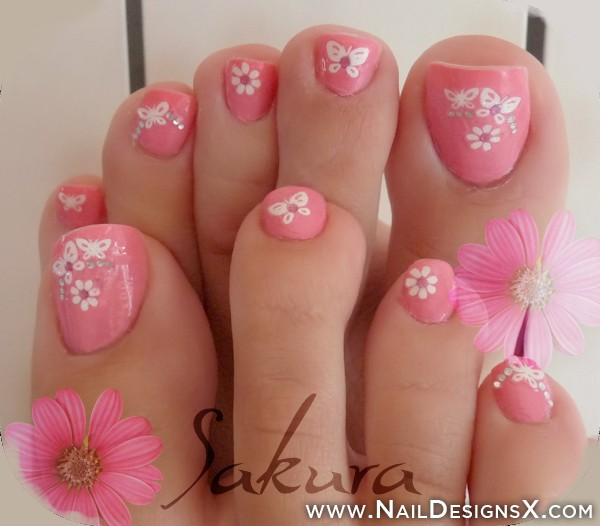 Cute Flower Butterfly Toe Nails