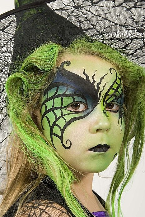 cute-witch-girl-face-painting