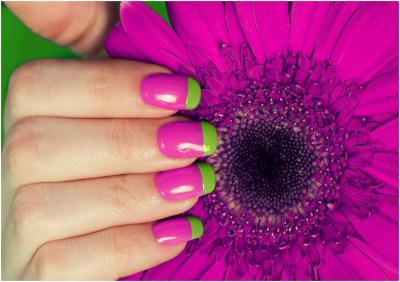 beautiful flower inspired Nail design