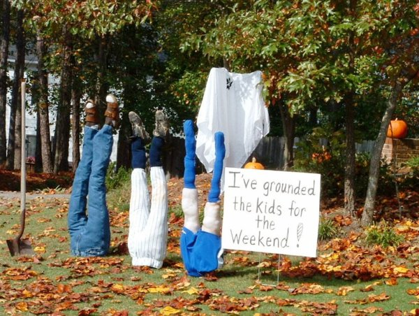 funny-halloween-outdoor-decoration-ideas