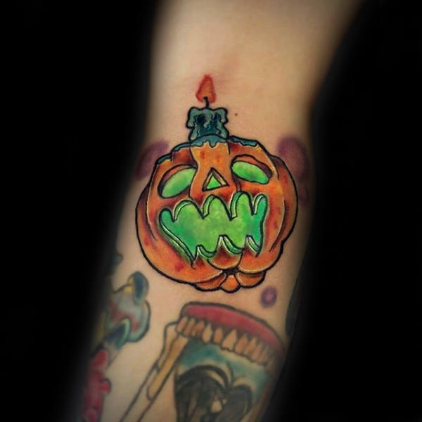 green-jack-o-latern-glowing-pumpkin-tattoos