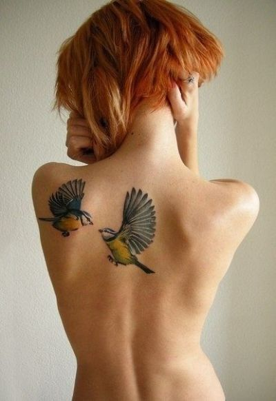 back shoulder realistic birds tattoo for women