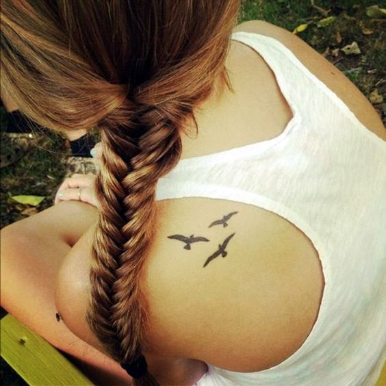 small seagulls tattoo on back shoulder for girls