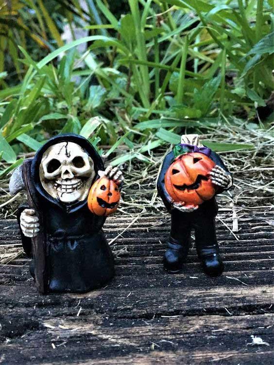 grim reaper figurine miniature pieces for outdoor halloween decorations