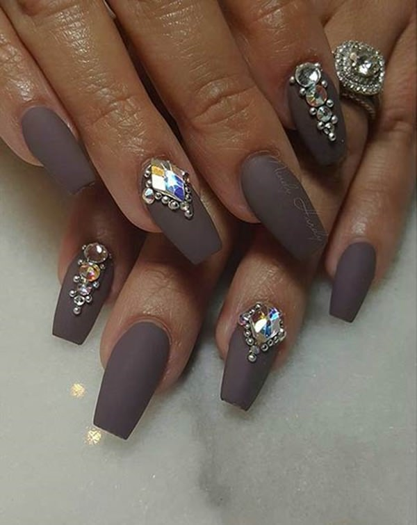 grey coffin nails with pearls and diamonds