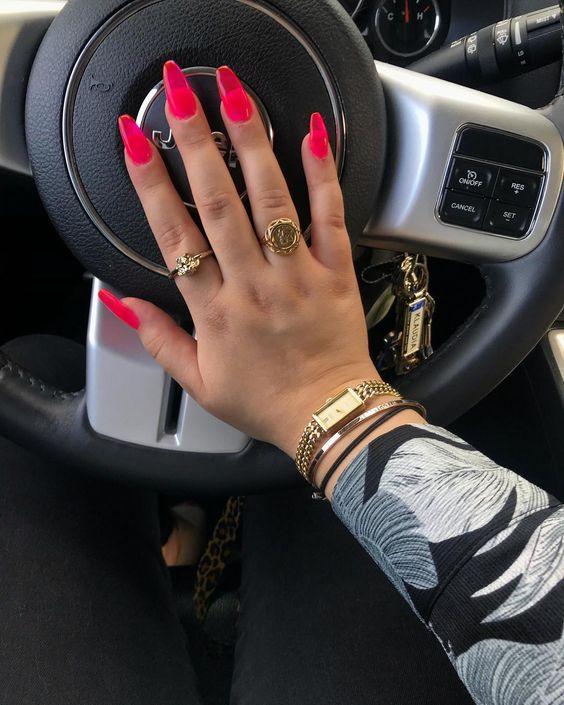 neon pink acrylic nails