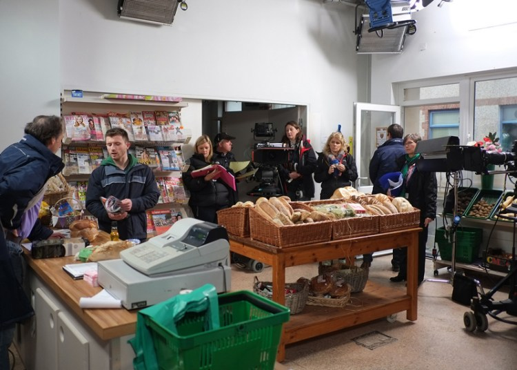 Recording a scene on Pobol Y Cwm Photograph: BBC Cymru Wales