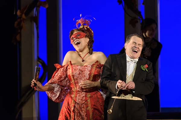Mary Elizabeth Williams and Mark Stone in WNO's presentation of Die Fledermaus Photos by Bill Cooper