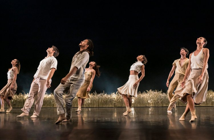 Acosta Danza and the Consortium Dancers bring Evolution to Wales Millennium Centre on March 6 and 7, 2020.