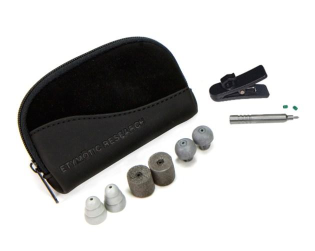 hf5_earphone_accessories