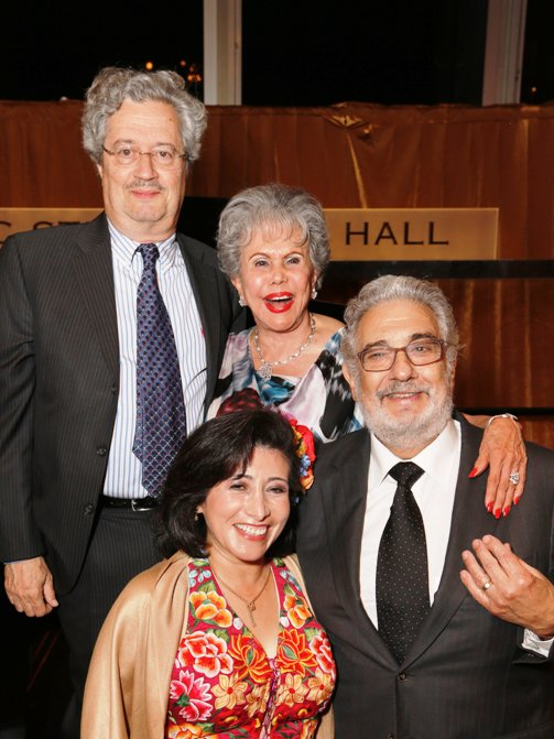 Placido Domingo, Honoree Lee Holdridge, Alicia Clark (Founder) & Monica Gutierrez (Chairman) - Hispanics for the Opera