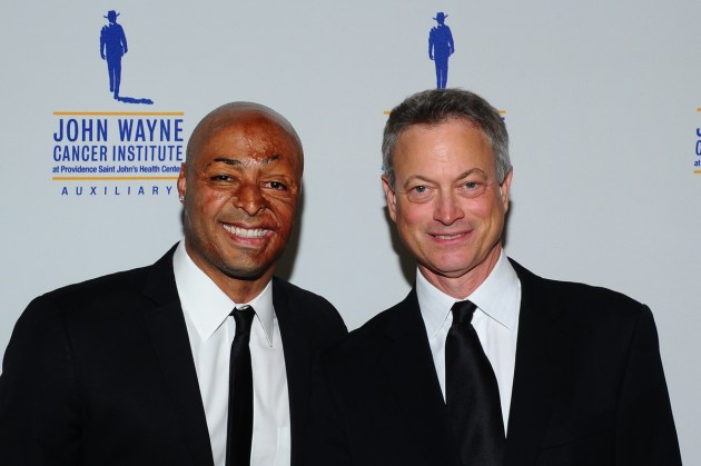 J.R. Martinez and Gary Sinise (photo by VinceBucci)