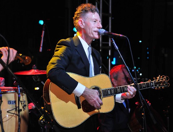 Lyle Lovett performing on stage (Credit for above pictures to Vince Bucci)