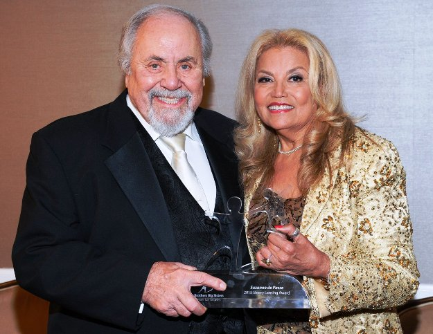 Producer George Schlatter presenting Award to Suzanne de passe at BBBS Gala