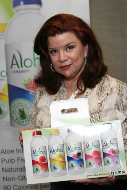 Aloha drinks refreshes actress Renee Lawless
