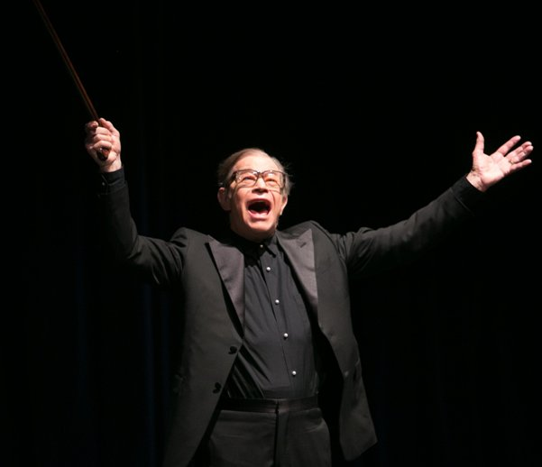 Michael York performing at Wallis Theatre (Photo credits to: Nathan Sternfeld & Judy Geeson)