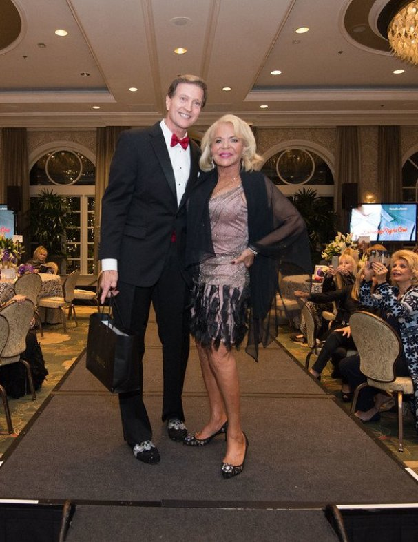 Bachelor Dr. Mac Moretz with high bidder, Beverly Cohen (4 Seasons Hotel) (Photo credit: Image Group L.A.)