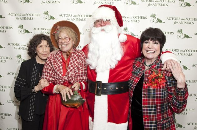 Lily Tomlin, Mrs. and Mr. Santa Claus & JoAnne Worley (Photo Credit - Matthew Fried)