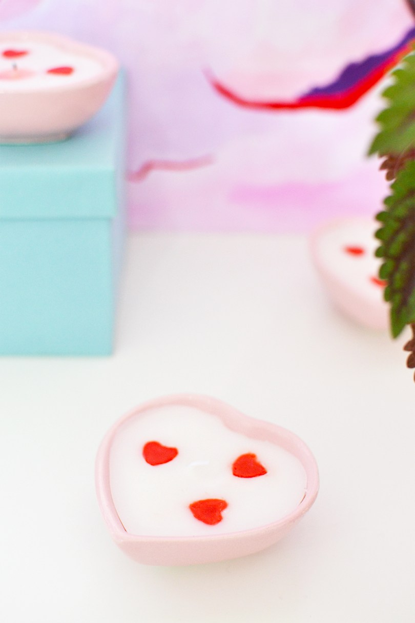 Love is in the air, learn how to make these heart shaped candles with tiny hearts with this one trick under 45 minutes.