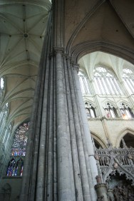 For such a tall cathedral, the main weight-bearing pillars of Amiens Cathedral give the impression that they are lighter than they really are.