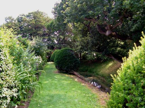 A quiet corner, just outside the Walled Garden, with the surrounding moat