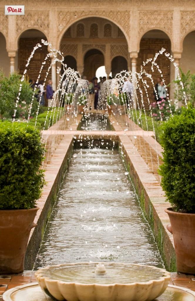 Alhambra Gardens, Granada (Wikipedia)