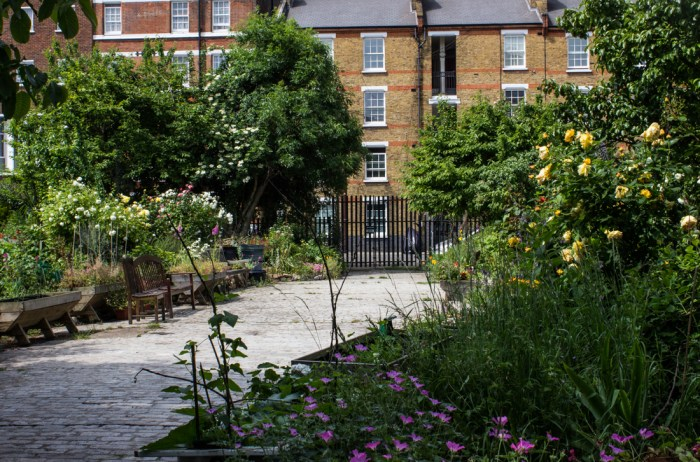 The entrance to Cable Street Community Gardens from Hardinge Street