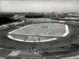 The New Cross Stadium: www.speedwayplus.com/HornshayStreet.shtml
