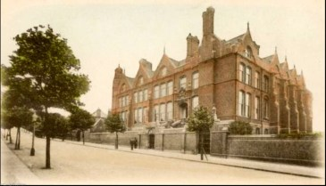 Harberdashers Askes' Girls School in Jerningham Road, c.1905 (www.ideal-homes.org.uk)