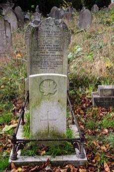 19-10-29 Ladywell Cemetery LR-3285