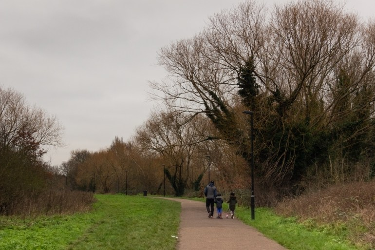 A winter walk along the Riverview Walk in SE London aka the Waterlink Way