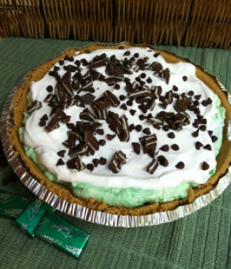 Peppermint Chocolate Chip Protein Pie; Skoop Protein powder recipe; Enticing Healthy Eating