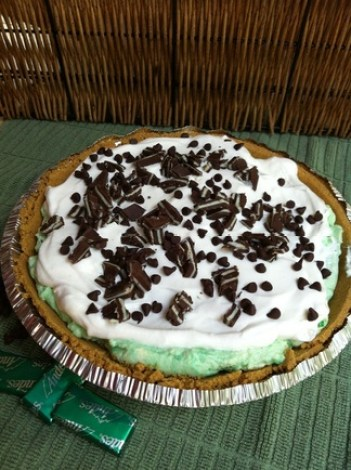 Peppermint Chocolate Chip Protein Pie; Enticing Healthy Eating