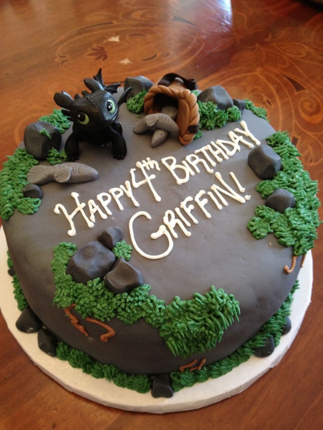 How To Train Your Dragon Birthday Cake How To Train Your Dragon Cake Cool Cakes Pinterest Dragon