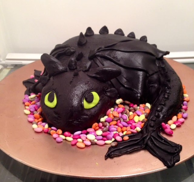 How To Train Your Dragon Birthday Cake How To Train Your Dragon Cake Toothless Cake For My Sons How To
