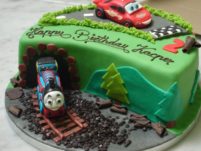 Lightning Mcqueen Birthday Cake Lightning Mcqueen And Thomas The Train Cake Thomas The Tank Engine