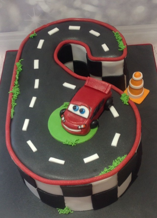 Lightning Mcqueen Birthday Cake Lightning Mcqueen Cars Birthday Cake For A 6 Year Old Dusty