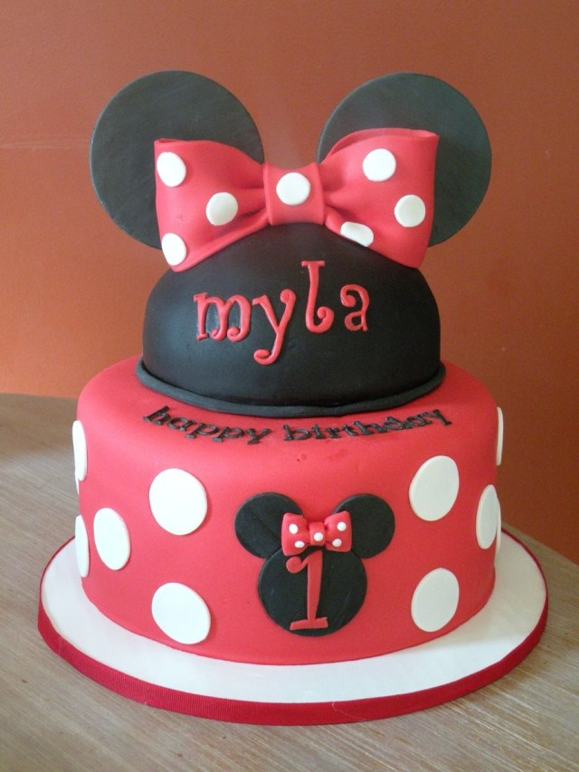 Minnie Mouse Cakes 1St Birthday Minnie 1st Birthday Cake And Cupcakes For A Minnie Mouse Themed 1st