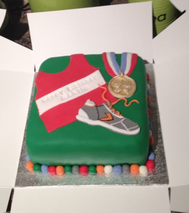 Runner Birthday Cake Birthday Cake For A Runner Athlete Cakes Cake Birthday Cake
