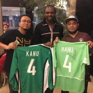 Kanu Nwankwo Arrives Indonesia With Other Premier League Legends