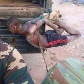 [Haha] See how thief was treated by soldiers after being caught